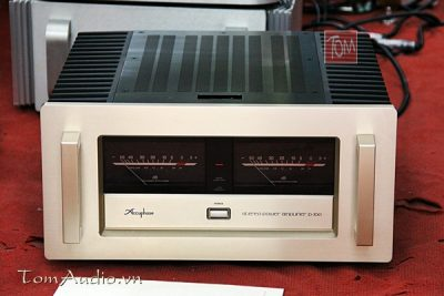 Pow Accuphase P-700