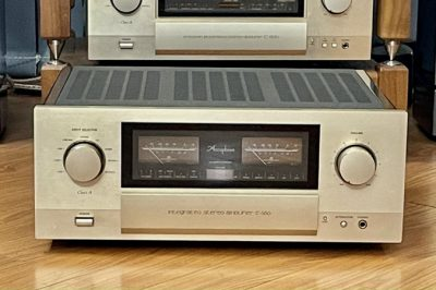 Accuphase E560